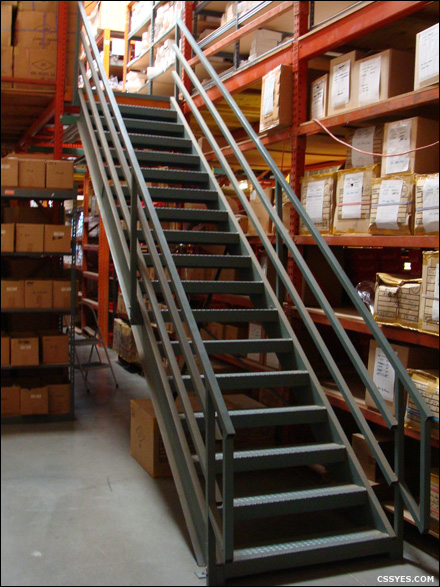 JRC-36-Inch-Wide-18-Step-Ladder-001-LG